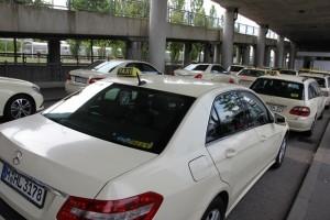 ドイツのタクシーは、8割がベンツ、1割がBMW、そのほかがアウディーなど